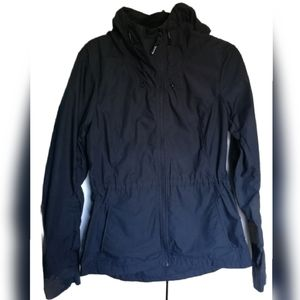 BENCH Lightweight black jacket adjustable hood M